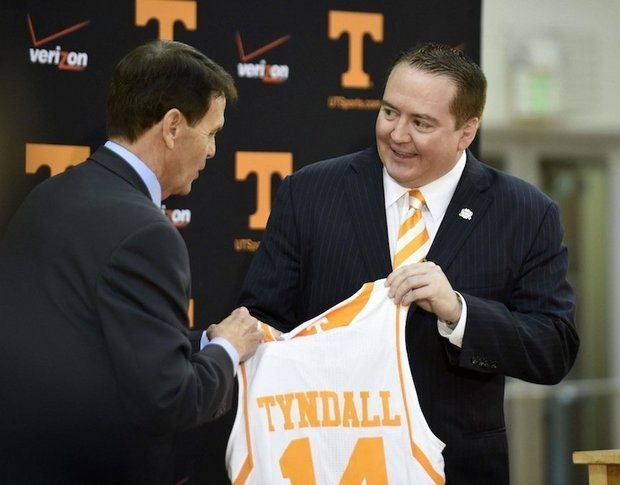 Former Southern Miss coach Donnie Tyndall, right, has taken two Golden Eagles signees with him to Tennessee. (AP Photo/Knoxville News Sentinel, Amy Smotherman Burgess, File)