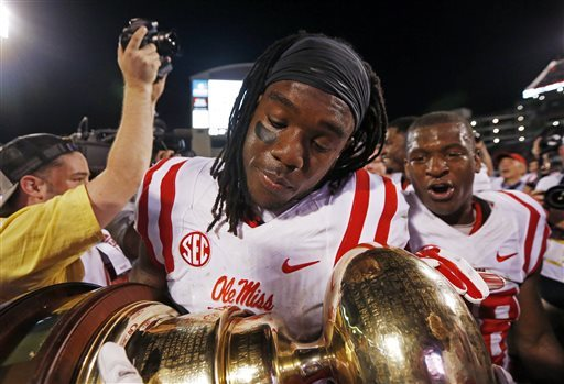 AP Top 25 college football poll: Ole Miss rises, Mississippi State falls out